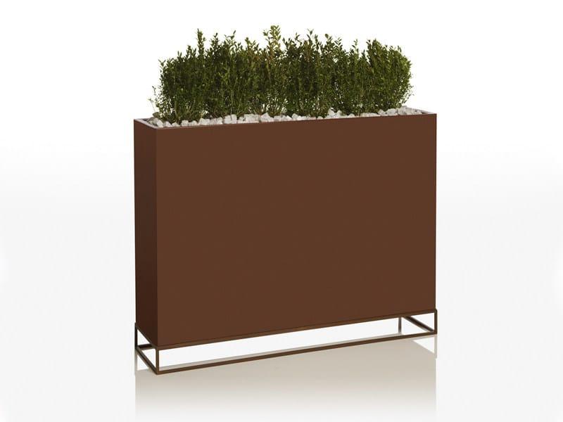 Polyethylene garden vase VELA | Garden vase by VONDOM