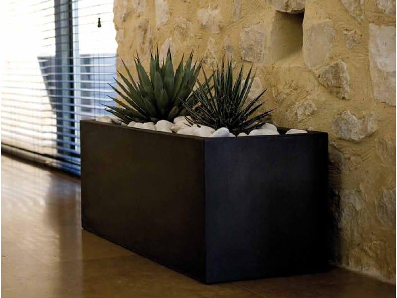Polyethylene garden vase with Light JARDINIERA by VONDOM