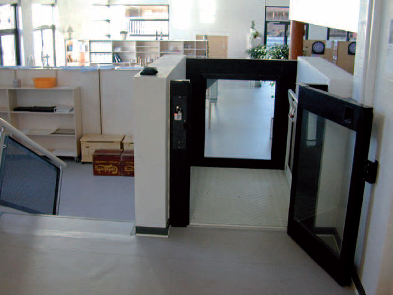 Platform lift for small height difference STEPPY by Vimec