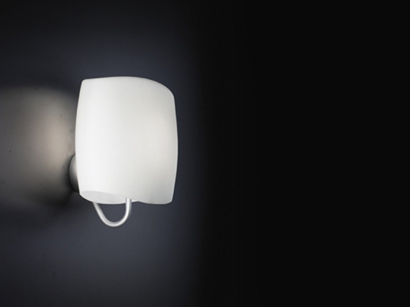 Blown glass wall lamp AERO | Wall lamp by Lucente