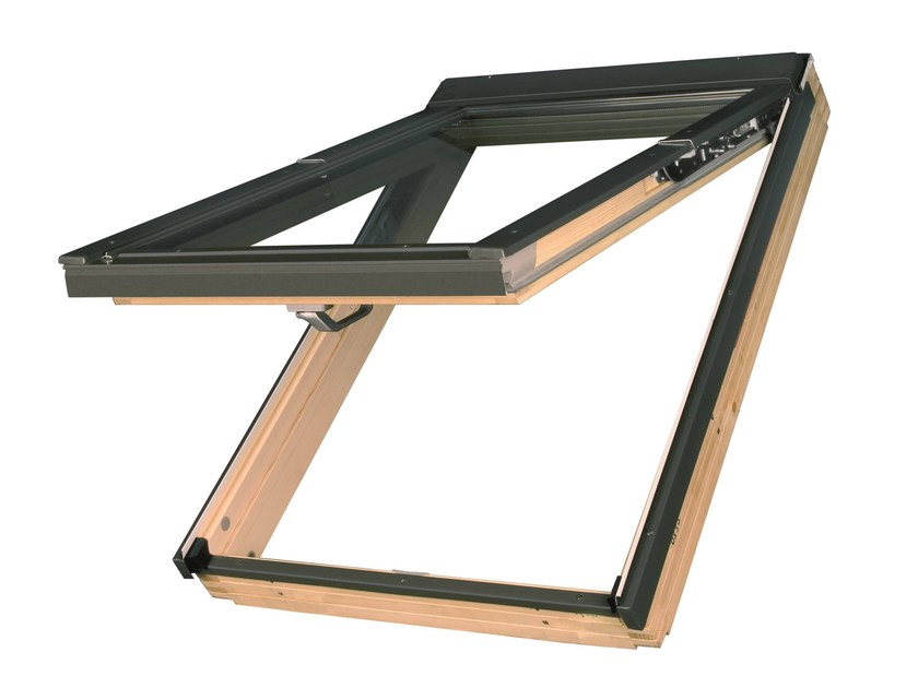 Centre-pivot top-hung pine roof window FPP-V preSelect by FAKRO