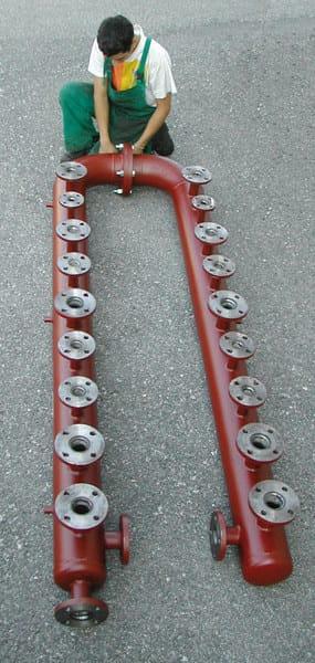 DIACOL Esempi di collettori di distribuzione caldaia, in acciaio al carbonio, eseguiti a disegno su richiesta del Cliente.