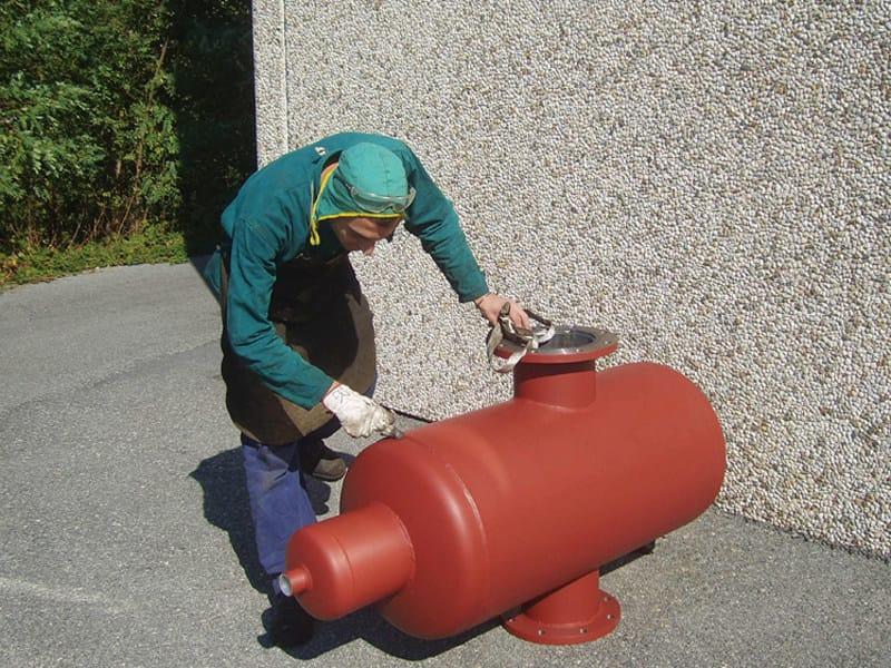 DIADEF Esempio di defangatore/disaeratore idraulico, in acciaio al carbonio, eseguito a disegno su richiesta del Cliente.
