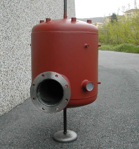 DIASEP Esempio di separatore d'aria, in acciaio al carbonio, eseguito a disegno su richiesta del Cliente.