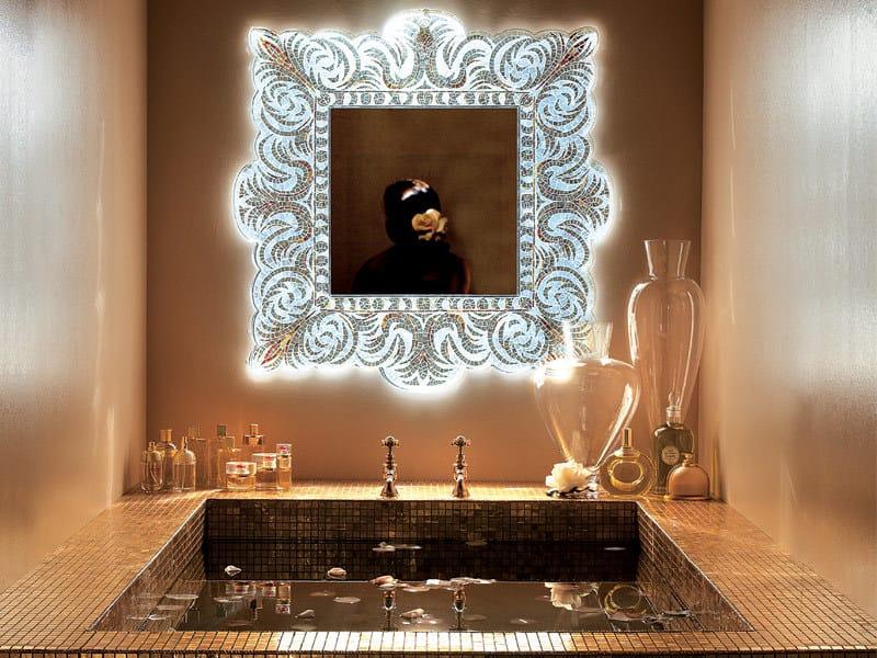 Espejo cuadrado con marco verev platinum by sicis for Espejo cuadrado sin marco
