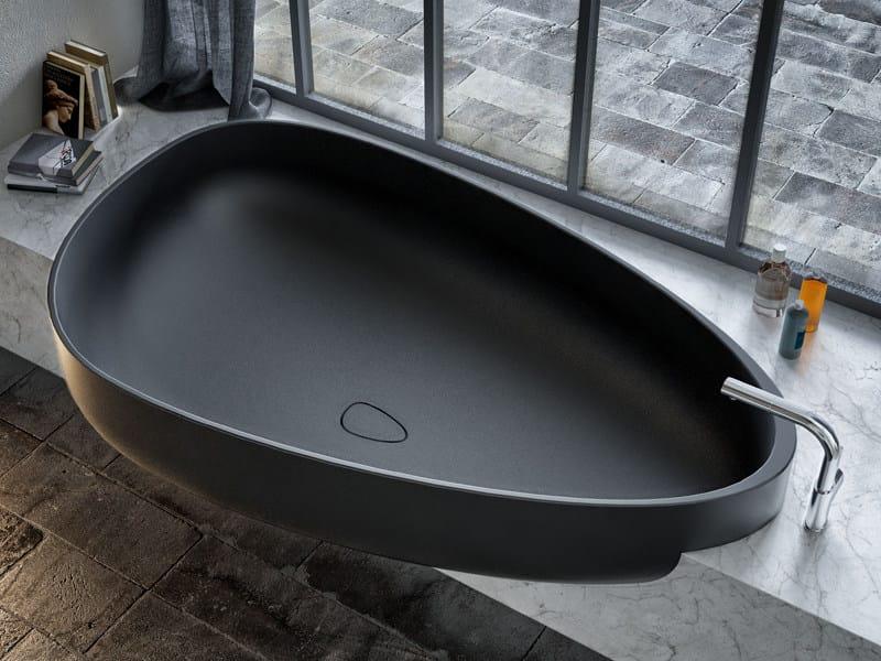 Pietraluce® bathtub BEYOND | Bathtub by Glass1989