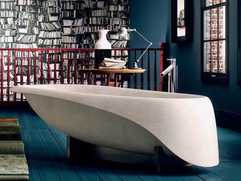 Freestanding Ductal® bathtub CONCRETE SOFT by Glass1989