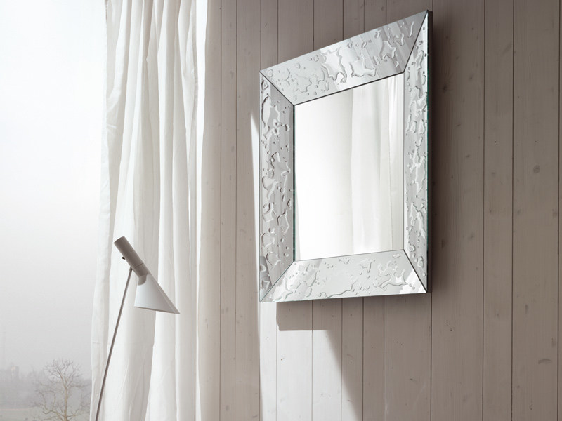 Framed mirror GOCCE by RIFLESSI
