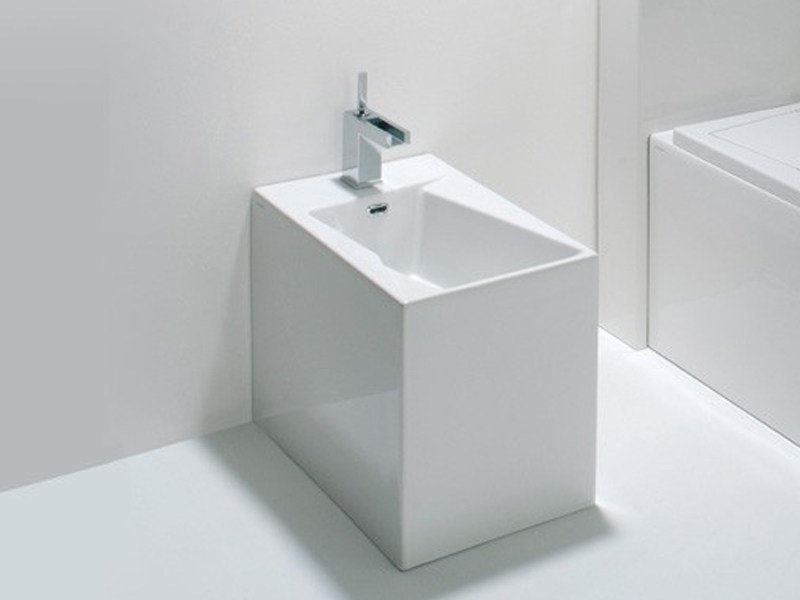 Ceramic bidet OZ | Bidet by GSG Ceramic Design