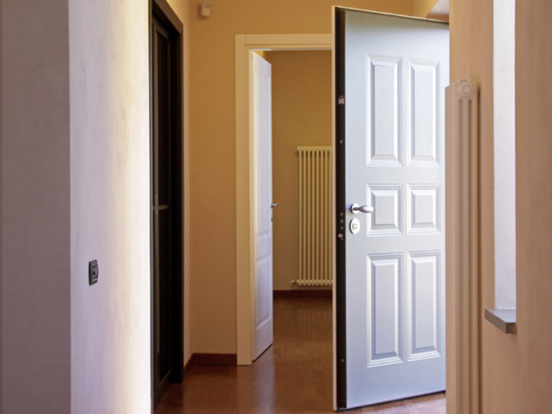 Porte d entr e blind e silver by torterolo re for Porte entree blindee