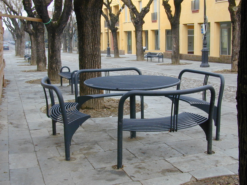 Metal Table for public areas with integrated benches FREE GROUP 2700 by SMEC