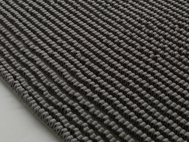 Striped solid-color wool rug GROOVE by paola lenti