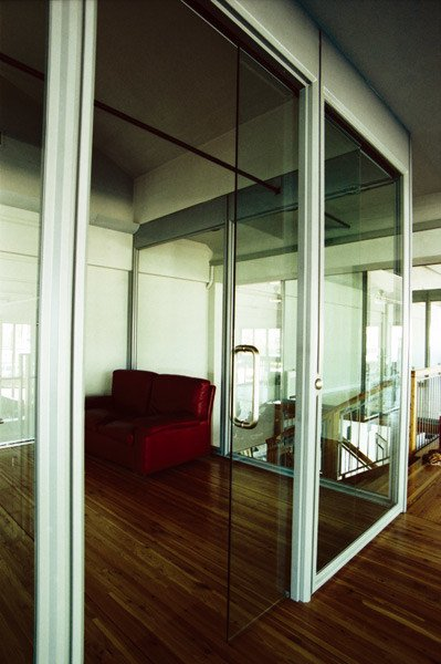 Glass and aluminium office partition Office partition by QUARTIERI LUIGI