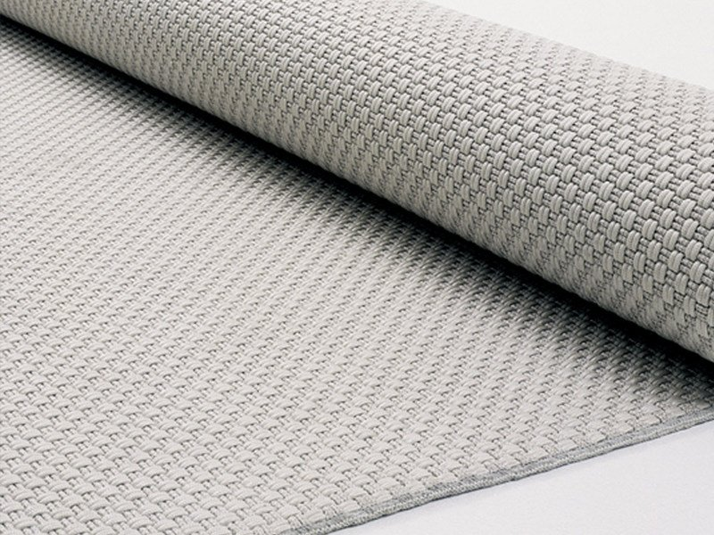 Solid-Color outdoor rug MAT+ by paola lenti