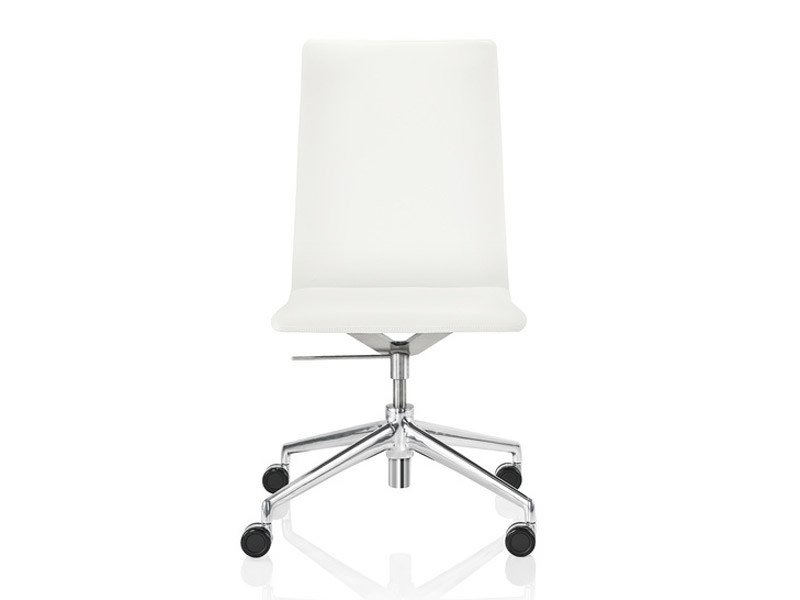 Task chair with 4-Spoke base with casters FINASOFT   Task chair with casters by Brunner