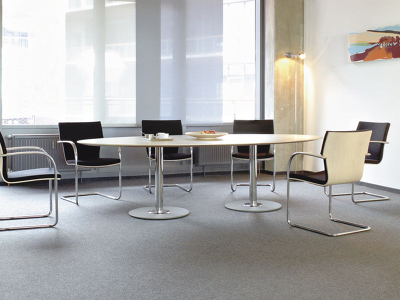 Oval MDF meeting table SPIRA | Oval meeting table by Brunner
