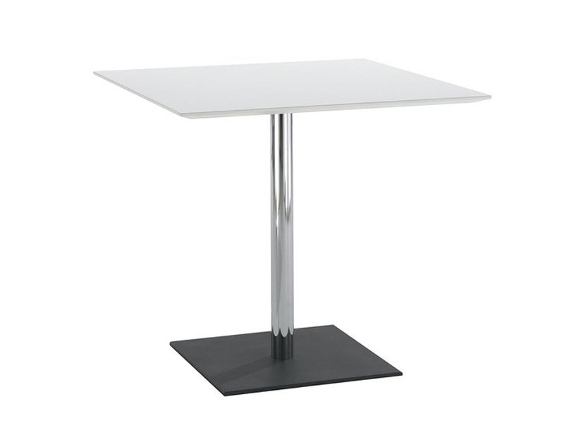 Square contract table WE_MEET | Table by Brunner