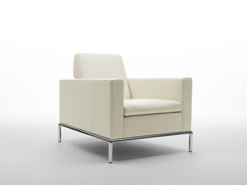Leather armchair DS-4   Armchair by de Sede