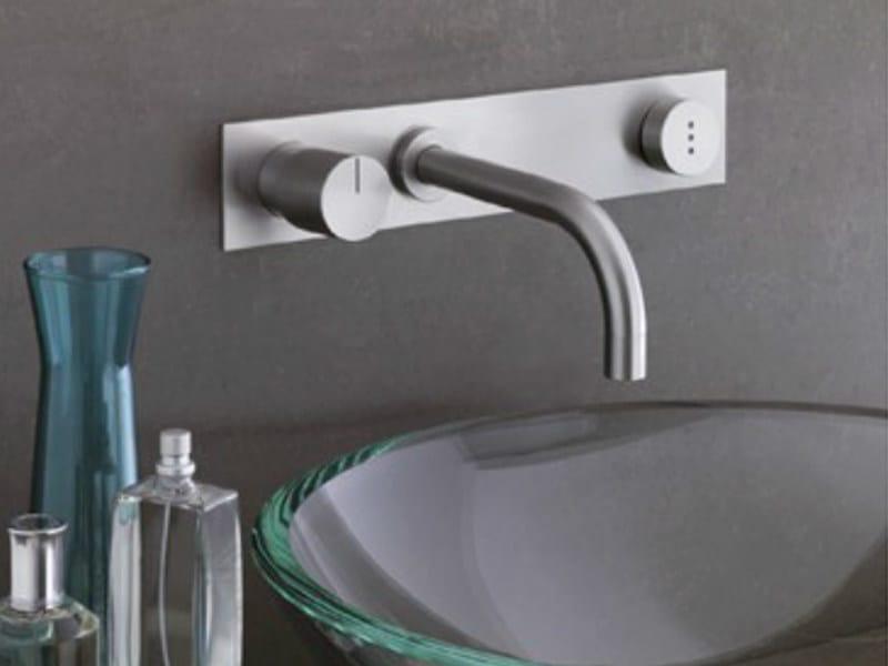 Wall-mounted electronic washbasin mixer 4113 | Washbasin mixer by VOLA