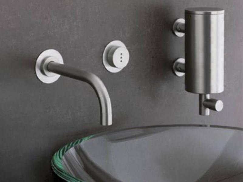 Wall-mounted electronic washbasin mixer 4011 | Washbasin mixer by VOLA