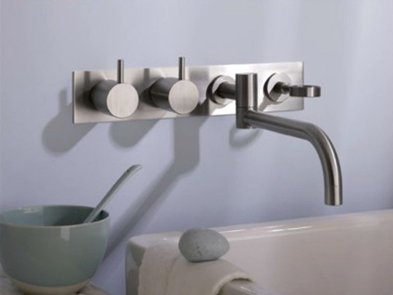 Wall-mounted kitchen tap with swivel spout 634T4 | Kitchen tap by VOLA