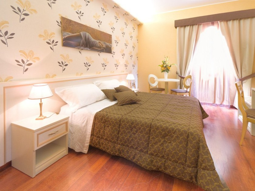 Classic style Hotel bedroom CRISTINA | Hotel bedroom by Mobilspazio