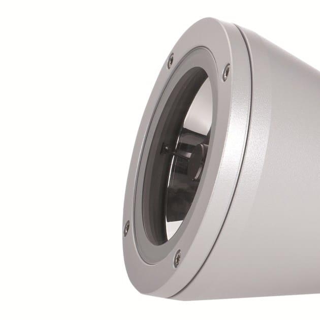 Proiettore con vetro extra chiaro per ottenere una massima trasmissione di luce