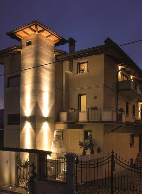 TETRA 140 | Applique per esterno TETRA Applique 140 illumina la torre dell'abitazione privata
