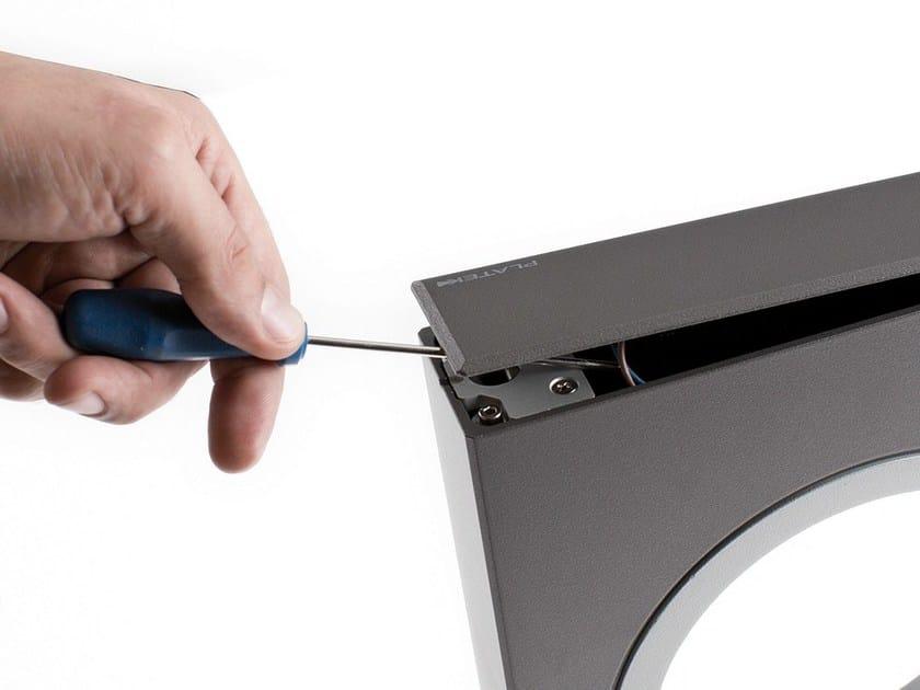 dettaglio di aperture per manutenzione del paletto MOON