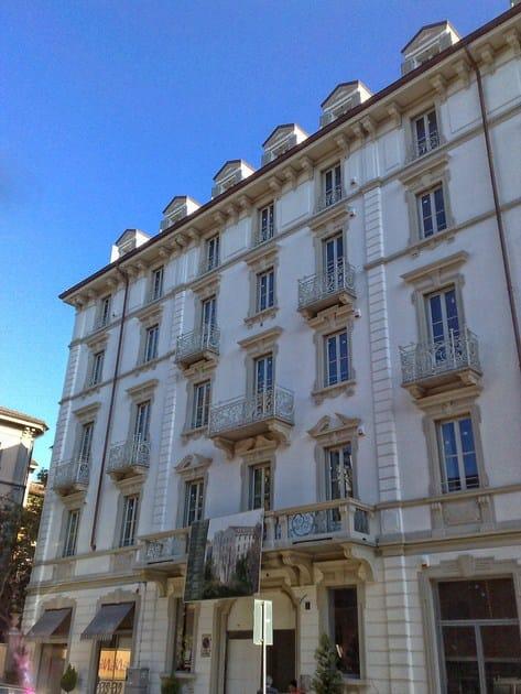 Cornice per facciate in EPS Decorazione Palazzo Via Zenale, Milano