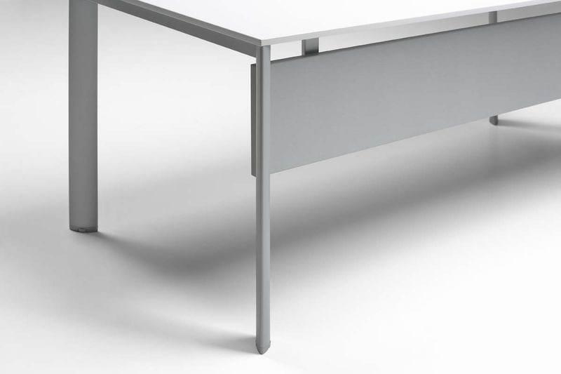 ONLINE3 Postazione di lavoro - Particolare scrivania singola - Modesty panel (MK_WA_WS)