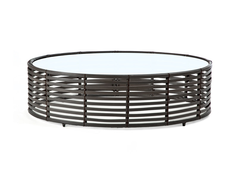 Oval rattan coffee table LOLAH | Coffee table by KENNETH COBONPUE