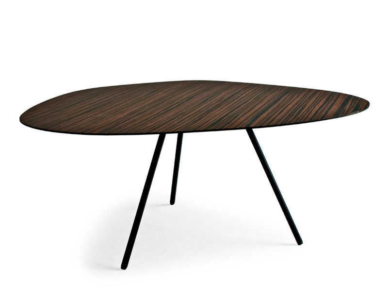 Plywood coffee table PEBBLE by KENNETH COBONPUE