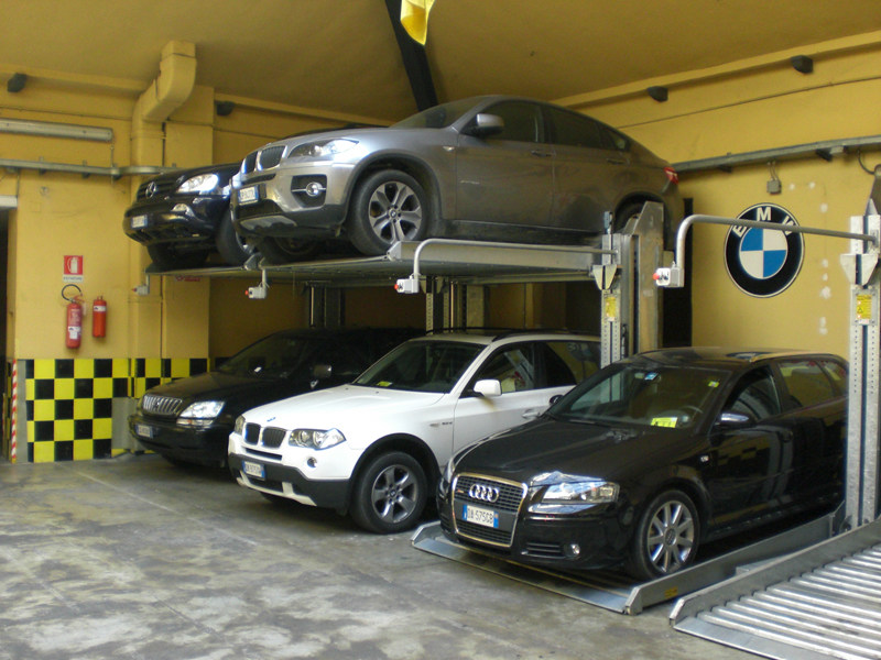 Car hoist and lift Car lift by GREEN PARK