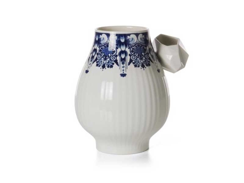 Ceramic vase DELFT BLUE 8 by moooi