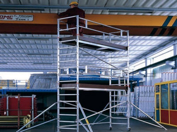 Mobile scaffolding for construction site TEMPO TECH S by SVELT