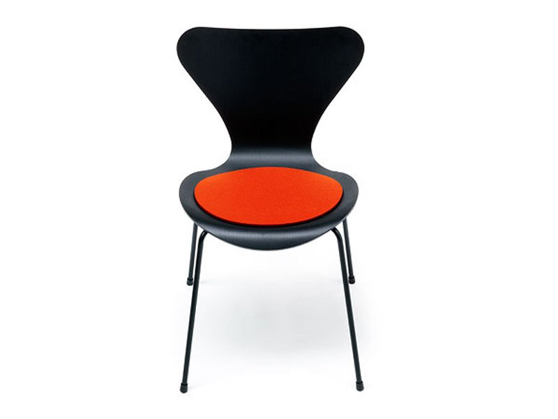 Oval chair cushion JACOBSEN SERIE 7 by HEY-SIGN