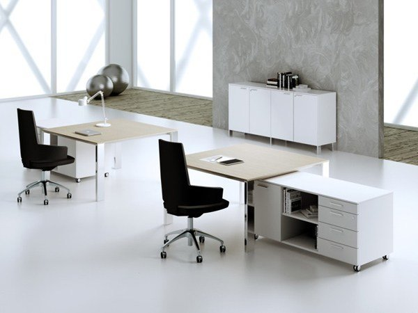 Square steel and wood office desk MINIMAX   Square office desk by MASCAGNI