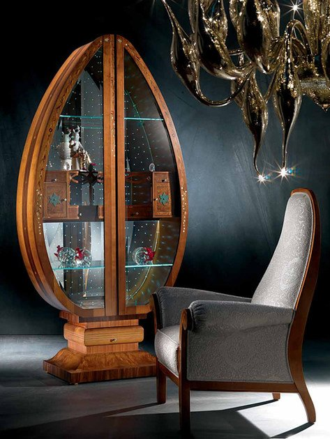 Cherry wood display cabinet UOVO MILLENNIUM by Carpanelli Classic