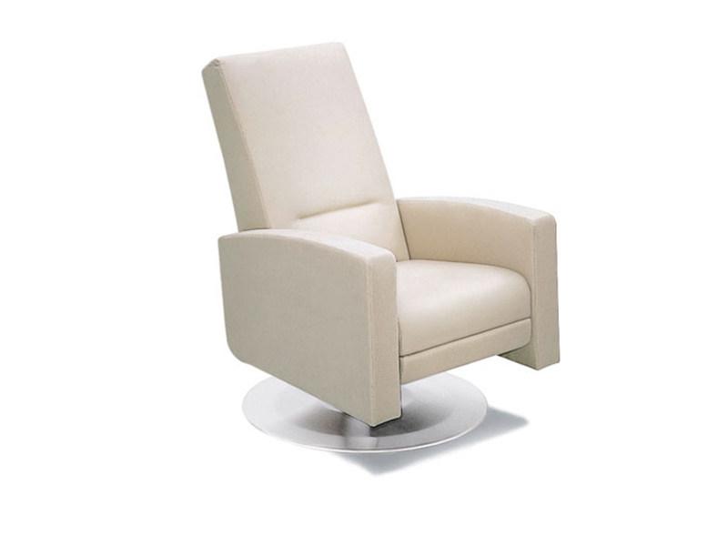 Swivel leather armchair LINDBERGH | Swivel armchair by Wittmann