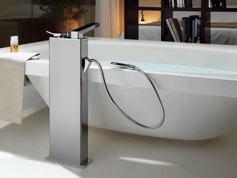 Rubinetteria Vasca Da Bagno Zucchetti : Soft miscelatore per vasca da terra by zucchetti design