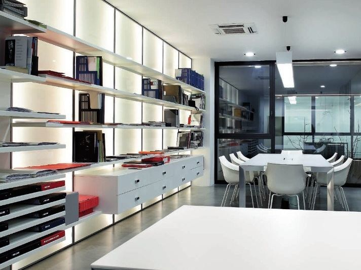 Wall-mounted lacquered bookcase STORE | Bookcase by ADIELLE