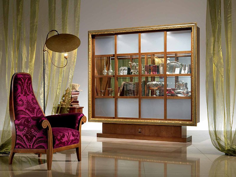Solid wood bookcase / display cabinet QUADRO by Carpanelli Classic