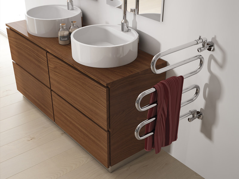 Swivel steel towel warmer ALATHERM by IRSAP