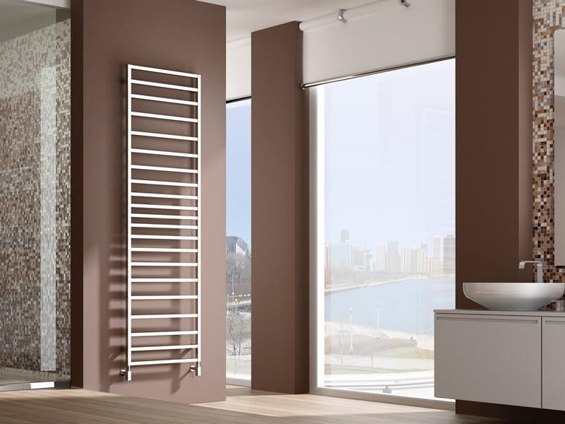 s che serviettes mural en laiton tol by irsap. Black Bedroom Furniture Sets. Home Design Ideas
