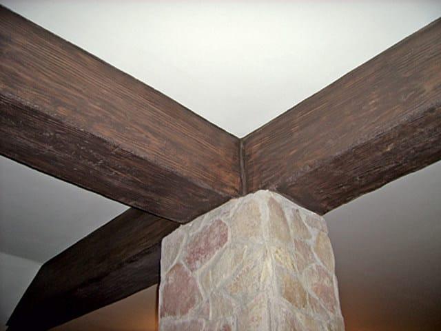 MURO STAMPATO Travi rivestite in intonaco stampato ad effetto legno