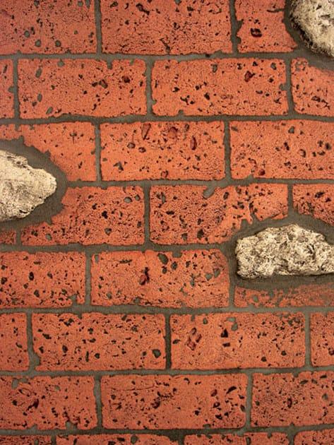 Mattone con inserti in pietre