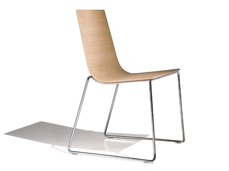 Sled base stackable chair LINEAL   Sled base chair by Andreu World