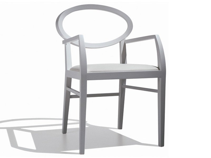 Upholstered chair with armrests ZARINA | Chair with armrests by Andreu World