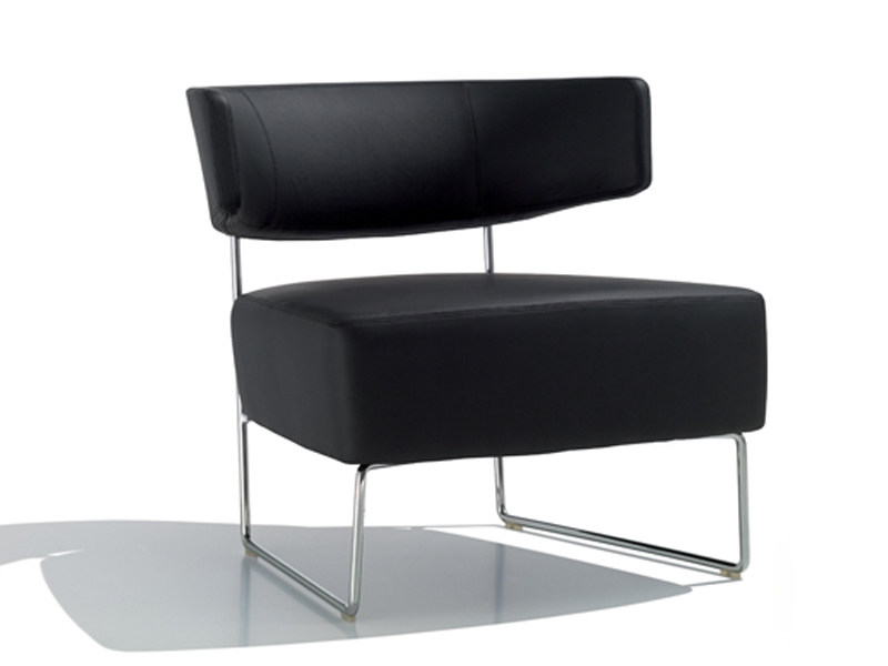 Sled base upholstered easy chair TAURO | Easy chair by Andreu World